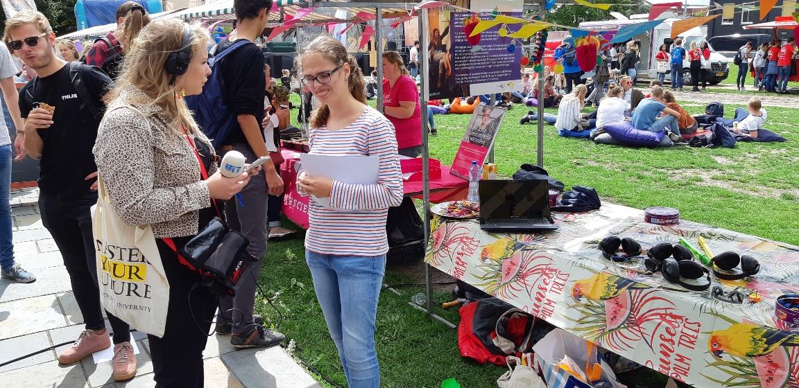 Studenten UIT markt 2019