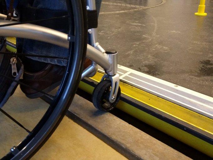Tram en rolstoel
